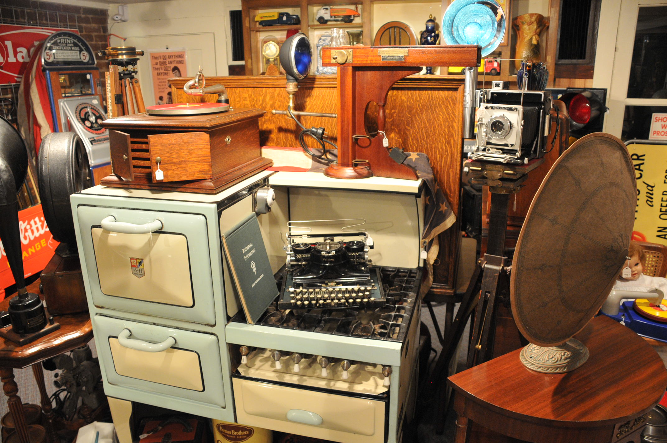 Does The Internet Damage The Antiques And Art Trade?